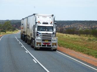 semi-trailers-534577_640.jpg